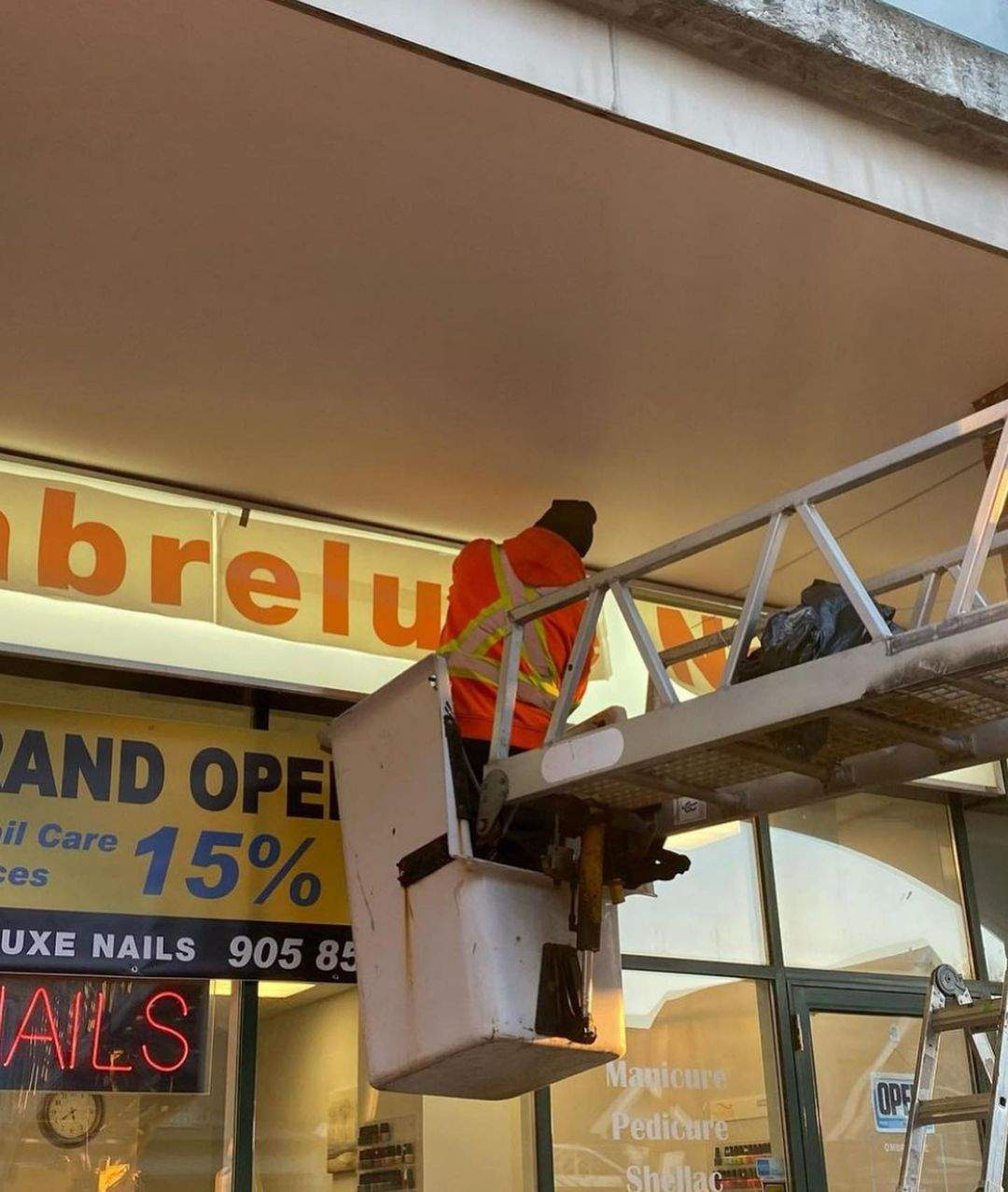 Outdoor Signage - Lightbox Installation in North York, ON